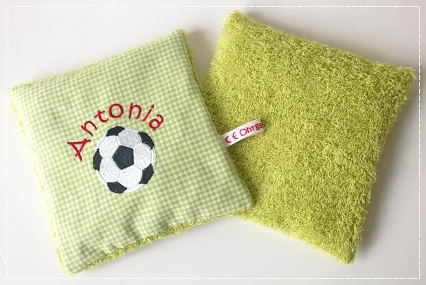 Kirschkernkissen Fußball Vorder- und Rückseite